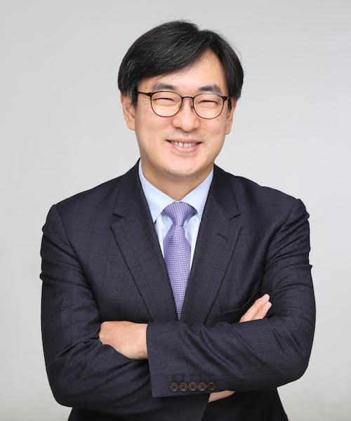 Dr. Kwan Tae Park